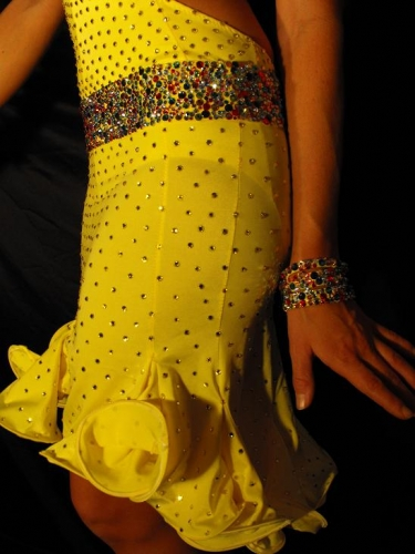 THE CONFETTI DRESS BY MIMI G DESIGNS 3